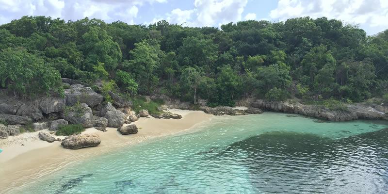 An beach in Antigua