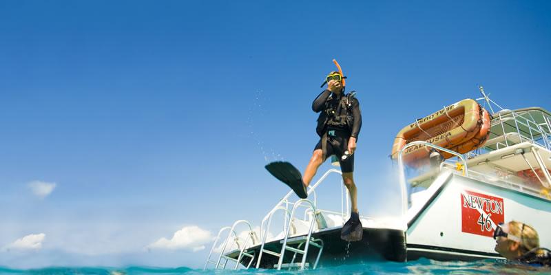 sandals-diving