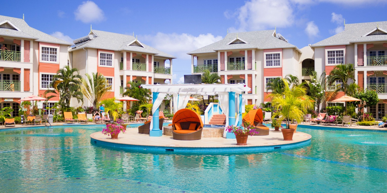Travel blog: How To Experience 3 Incredible St Lucia Hotels For The Price Of One With Bay Gardens Resorts