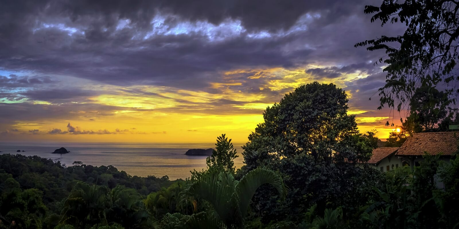 Stunning sunset in Costa Rica