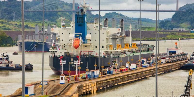 Ship docking in Panama Canal