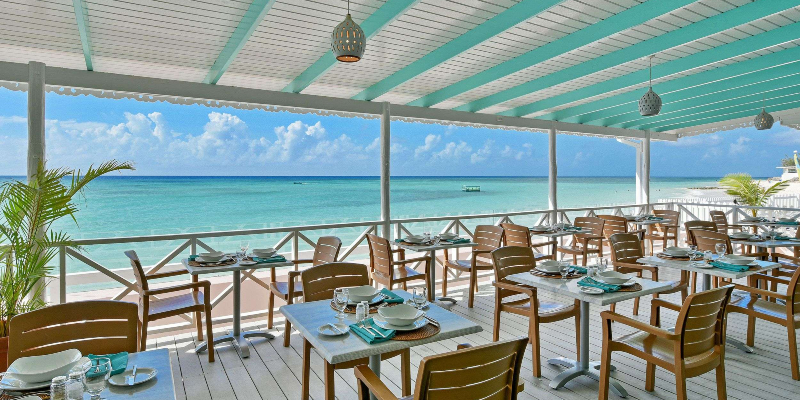 Reef Bar and Grill with Ocean View