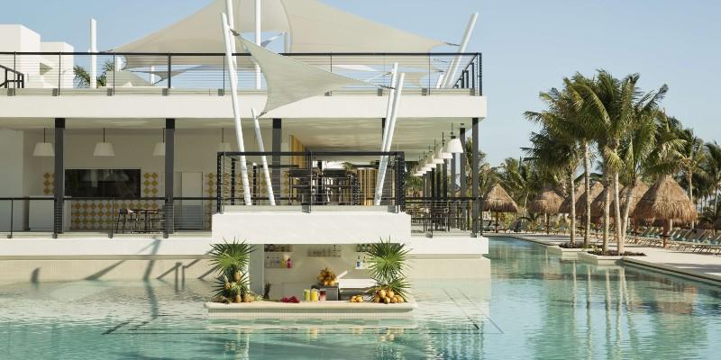 Aqua Swim-Up Bar at Finest Playa Mujeres