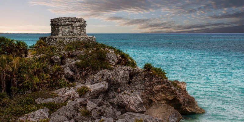 The ruins at Tulum against the ocean backdrop